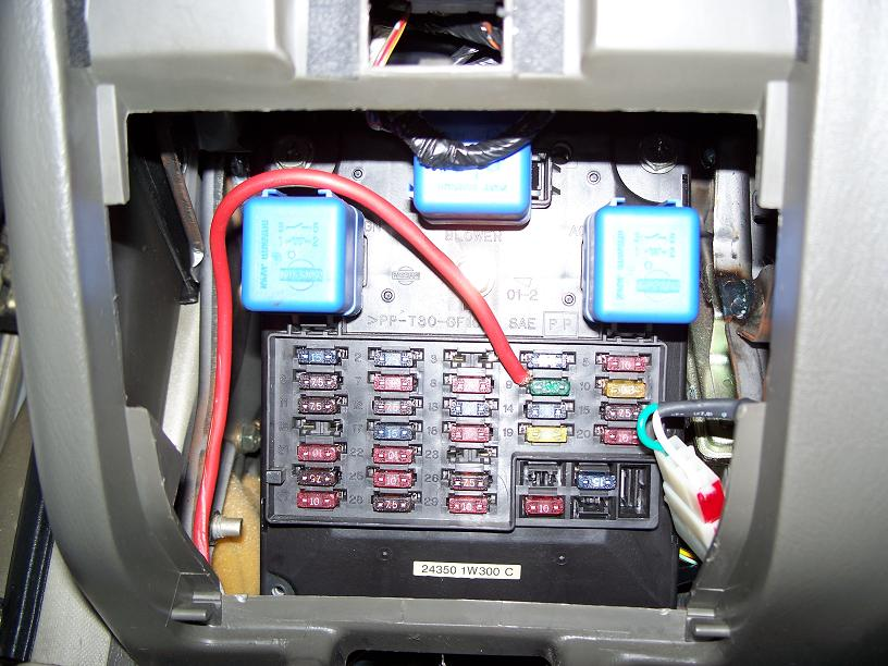how to install a fuse box in a car 12 volt fuse block wiring piggyback fuse tap at How To Connect Wire To Fuse Box